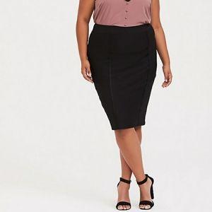 NWT Torrid Plus Size 20 Black Pencil Lace Skirt